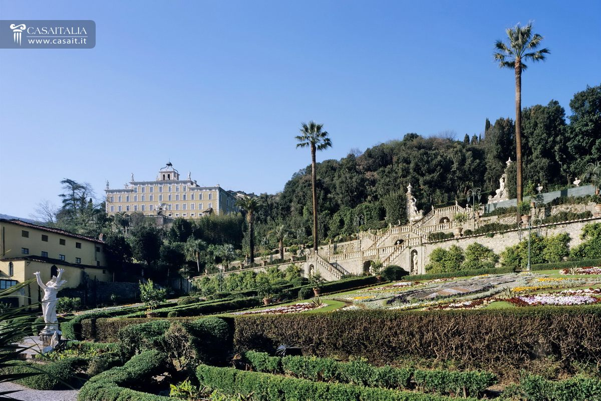 Historic estate for sale in Tuscany