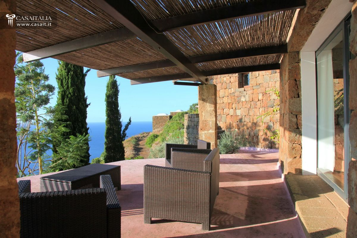 Pantelleria balata dei turchi dammuso for sale for Terrace pergola