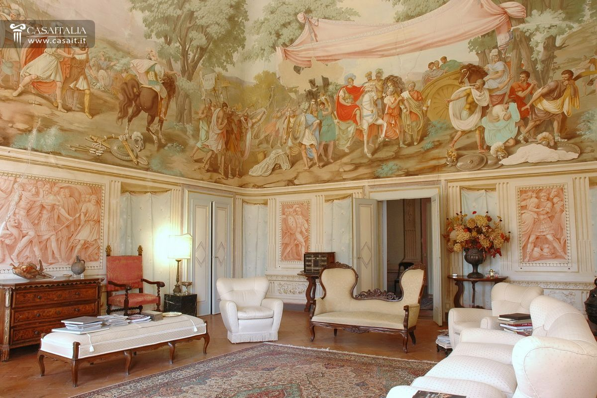 Frescoed Villa For Sale In Tuscany