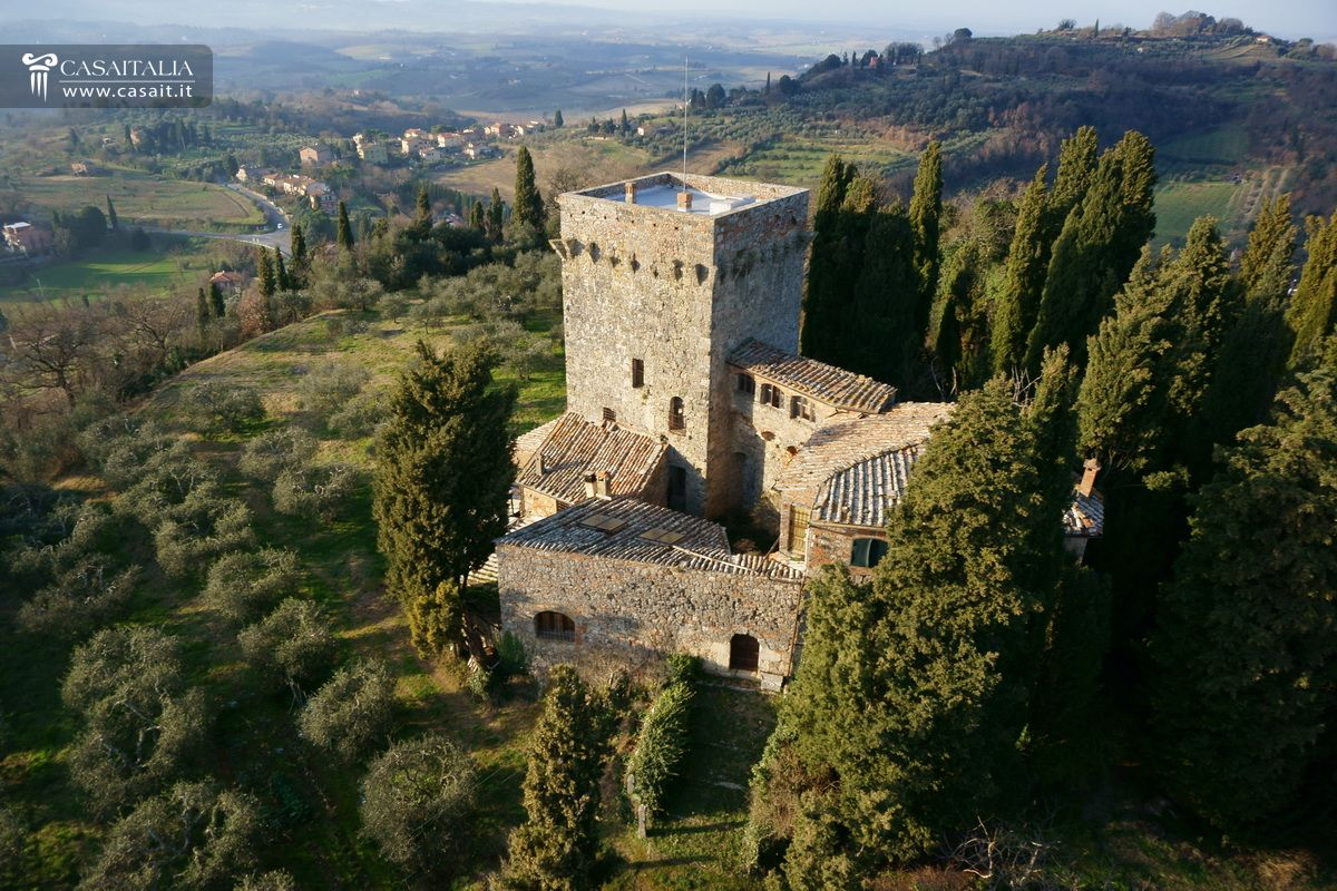 Tuscany Ancient Historical Mansion With Garden For Sale