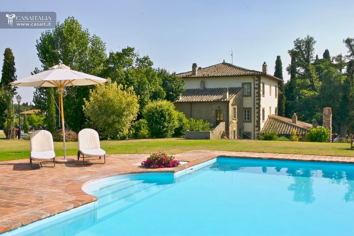Small luxury hotel for sale in tuscany for Small luxury inns