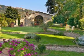 Hotel for sale in Cortona