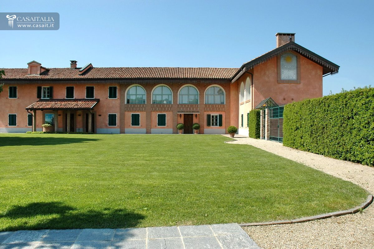 Luxury villa for sale in Piedmont