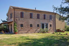 Marche - Restored villa for sale