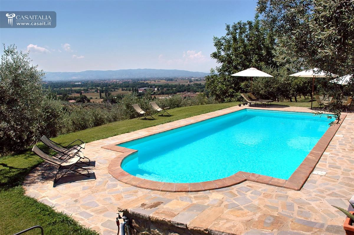 Villa with swimming pool for sale near assisi for 6 bedroom house with swimming pool for sale