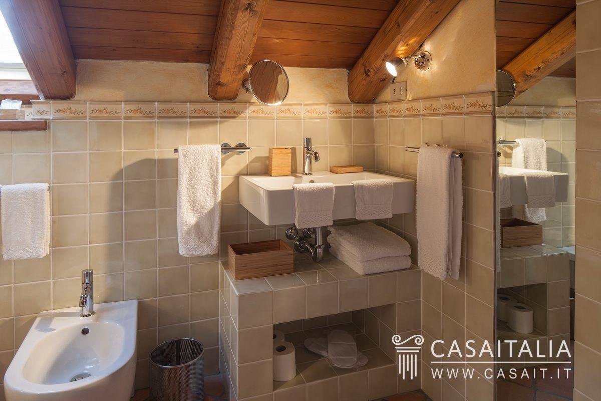 Villa with swimming pool for sale in Monferrato | Acqui Terme ...