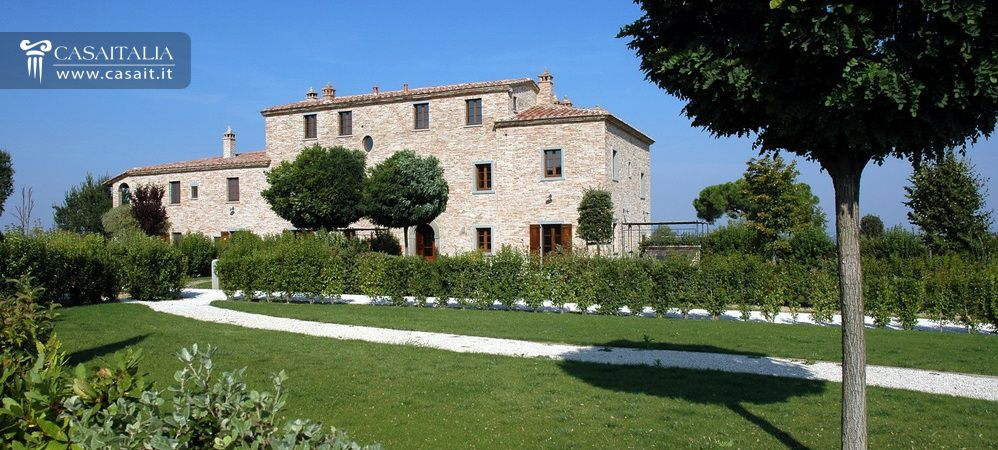 Apartments with garden for sale in Tuscany