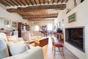 Restored villa for sale in Trevi - Umbria
