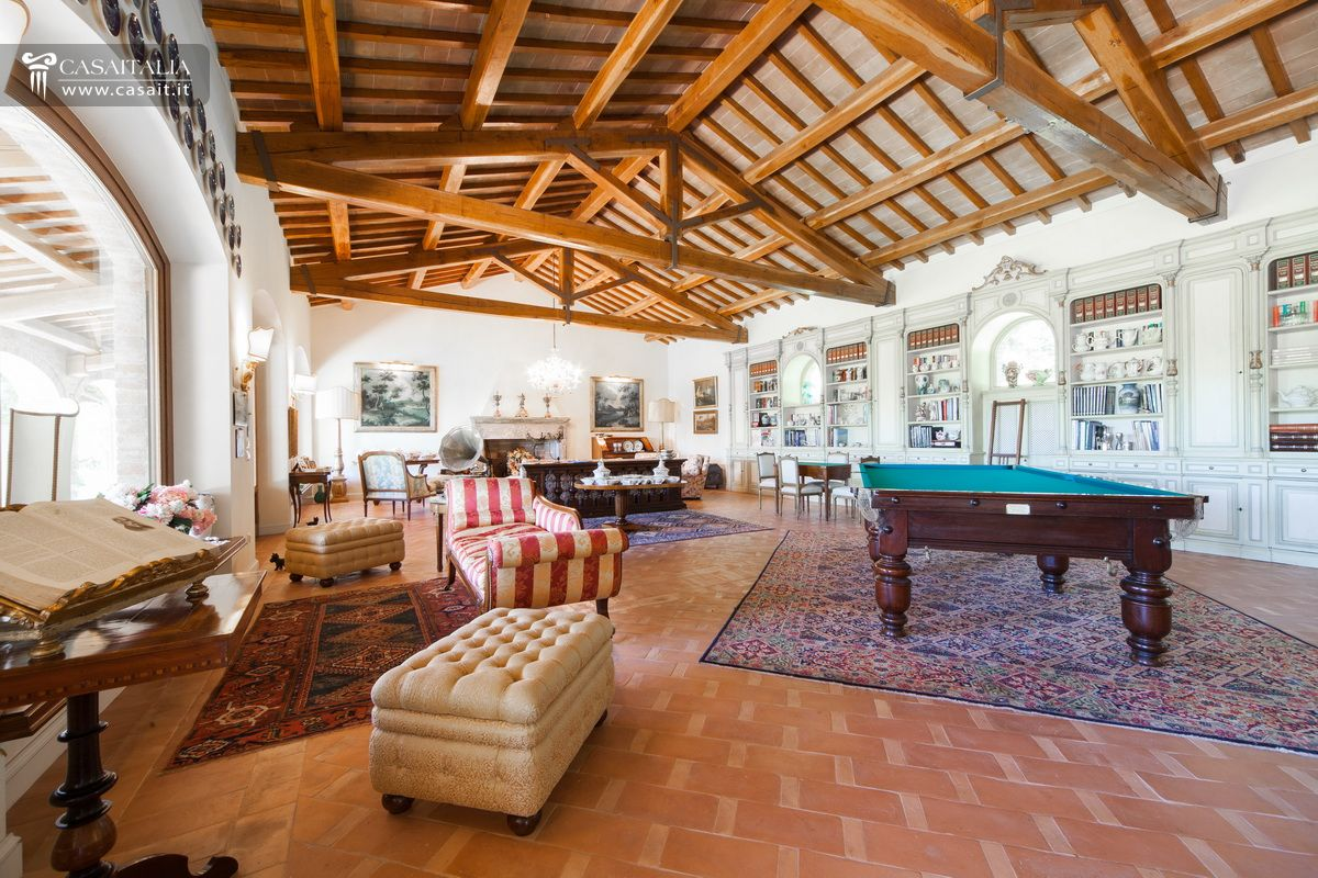 villa for sale as bare ownership between umbria and tuscany