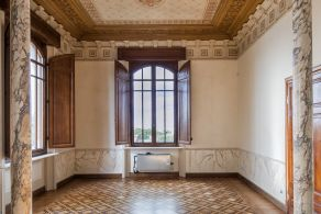Historic villa with decorations for sale in Viareggio - Tuscany
