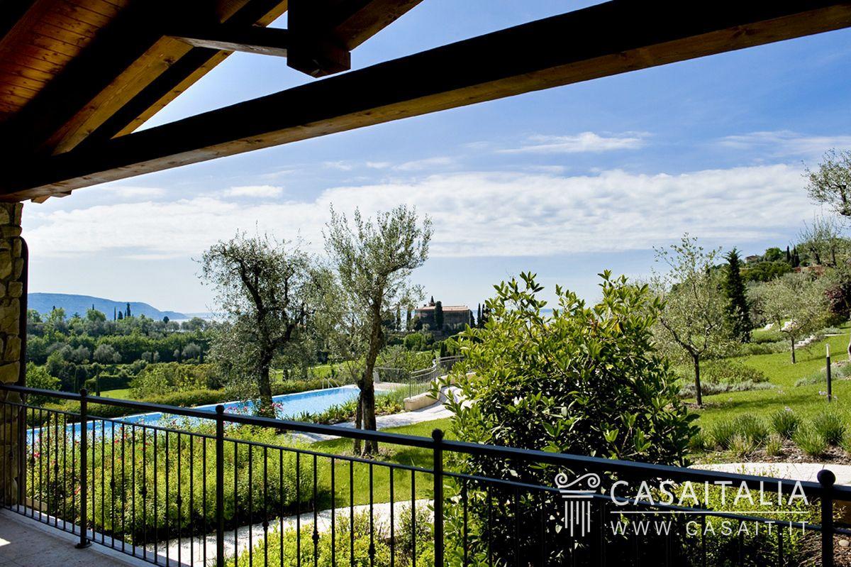 Lago Vista Airport Property For Sale
