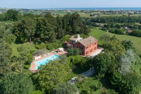 Farmhouse for sale in Le Marche, between Marotta and Senigallia
