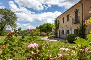 Villa for sale in Le Marche, Sarnano
