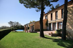 Luxury villa for sale in The Marches
