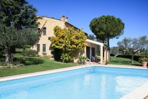 Villa with swimming pool for sale in The Marches