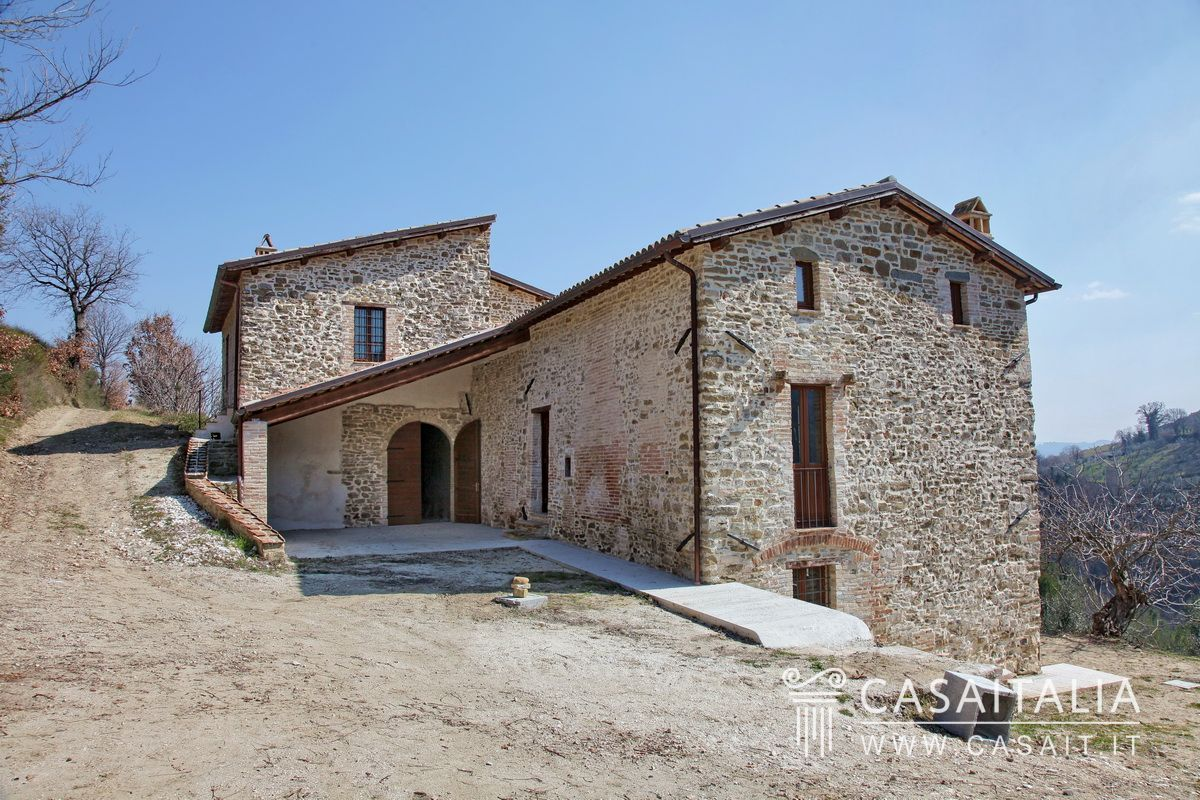 Farmhouse for sale in umbria, Bevagna