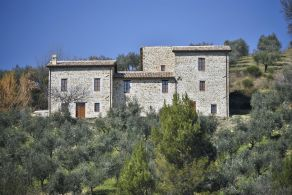 Luxury villa for sale in Umbria - Casaitalia International
