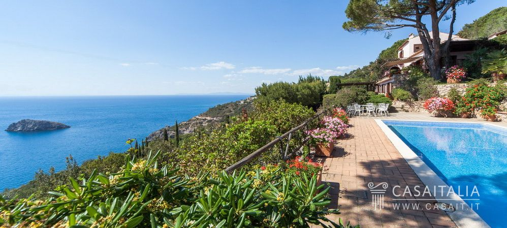 Luxury villa with swimming pool for sale in Monte Argentario, Tuscany