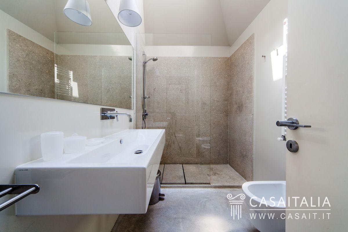Properties for sale in italy casaitalia international - Bagno con sale ...