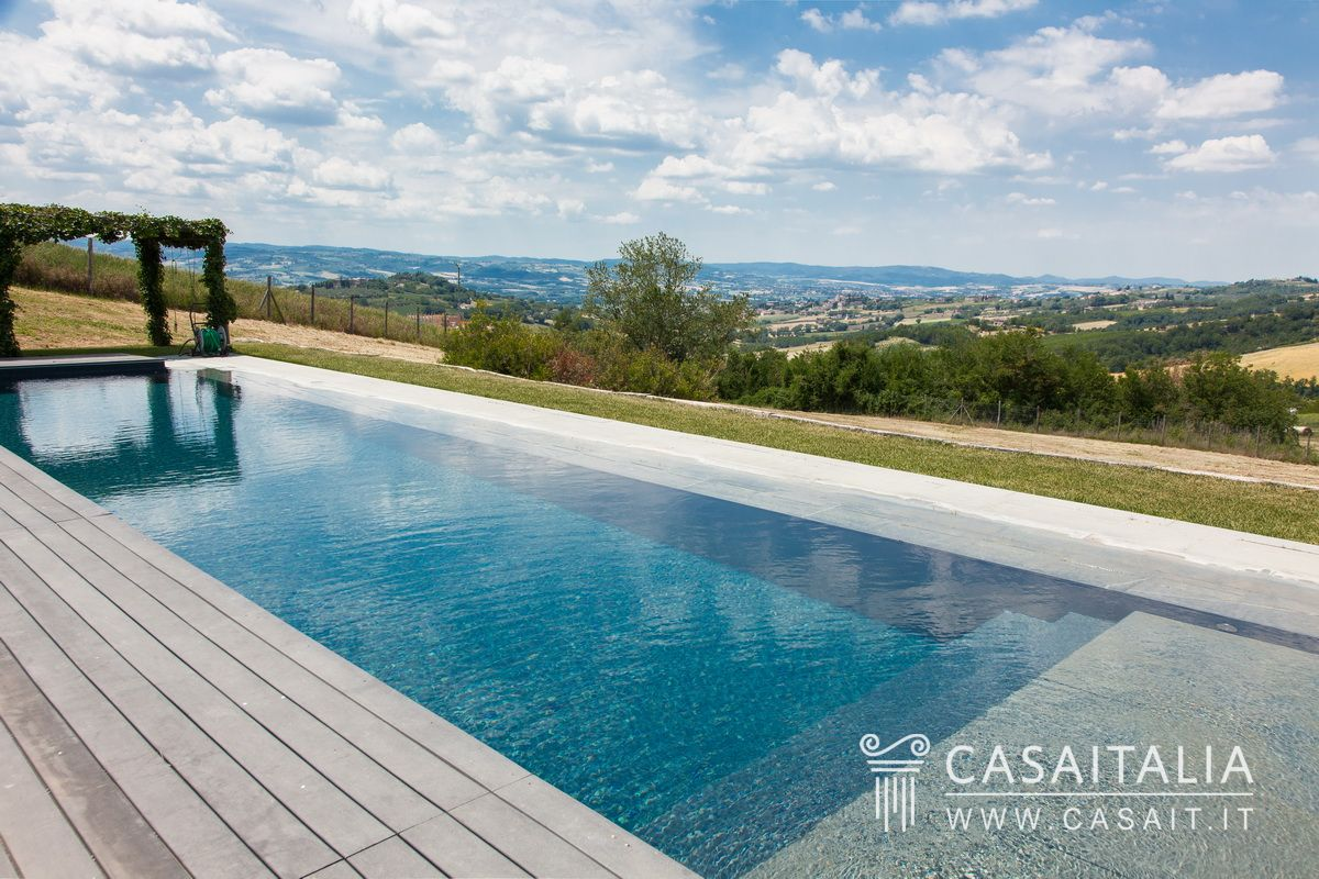 Modern villa with pool for sale in todi - Piscina a sale ...