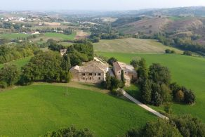 Farmhouse for sale in the Marches, Arcevia