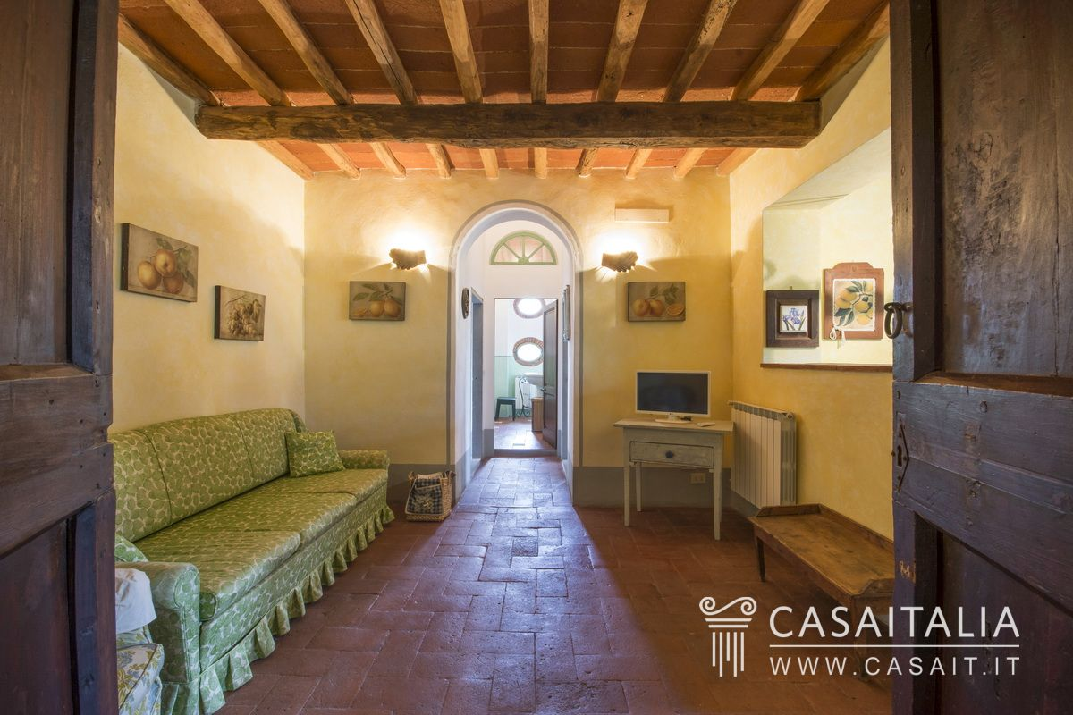 Farmhouse for sale, 25 km from Firenze