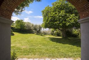 Farmhouse with land for sale in Tuscany, Reggello