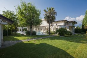 Luxury villa for sale in Forte dei Marmi, Casaitalia International