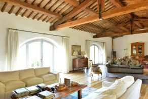 Luxury villa for sale between Orvieto and Todi