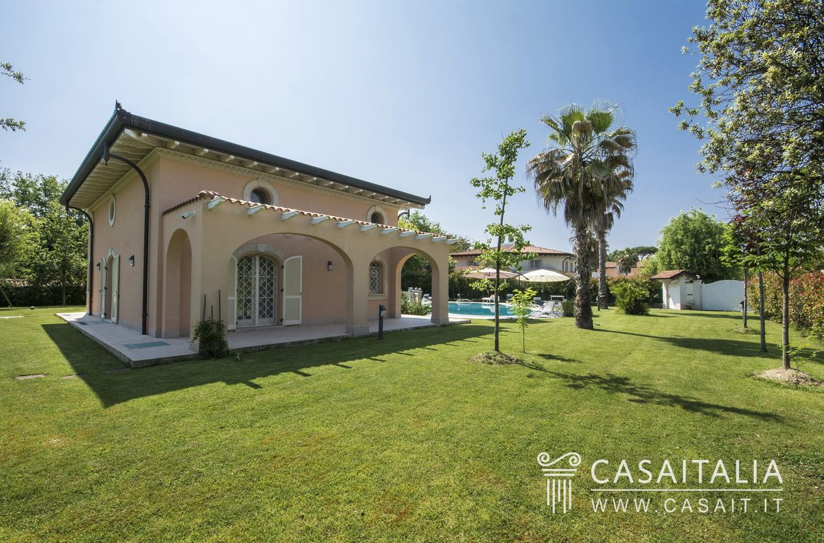 Luxury villa for sale in Versilia, Italy