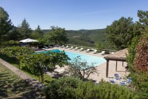 Hotel with pool for sale in Italy, Umbria