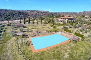 Luxury country villa for sale in Val di Cecina, Tuscany
