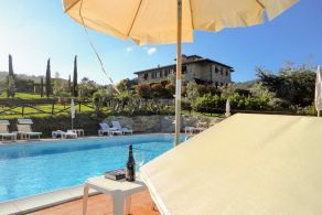Villa with swimming pool for sale in Tuscany, Volterra