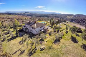 Villa with swimming pool for sale in Volterra