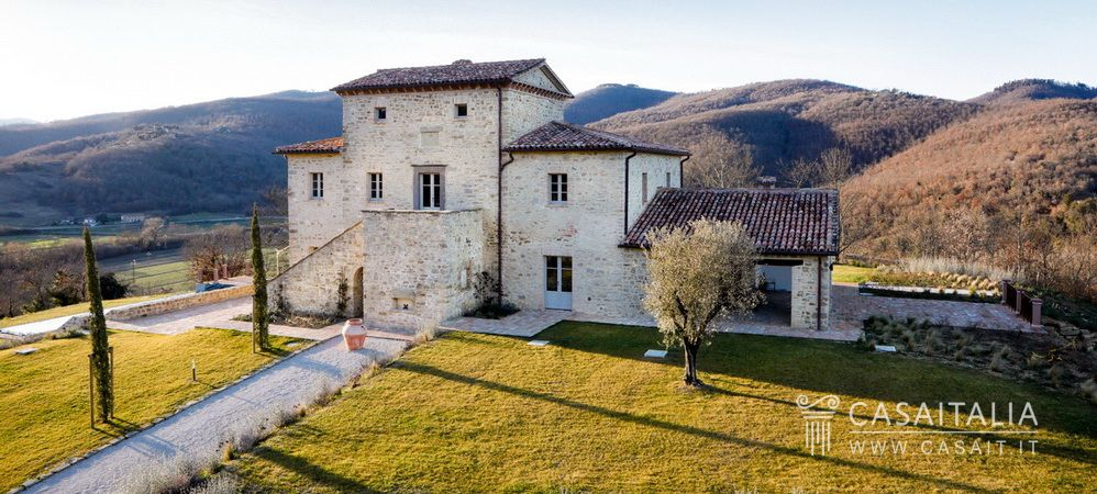 Luxury country villa for sale in Niccone Valley, Umbria