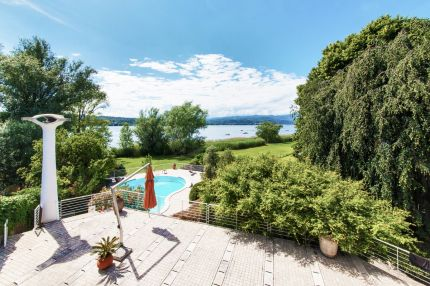 Villa for sale on Lake Maggiore, Angera