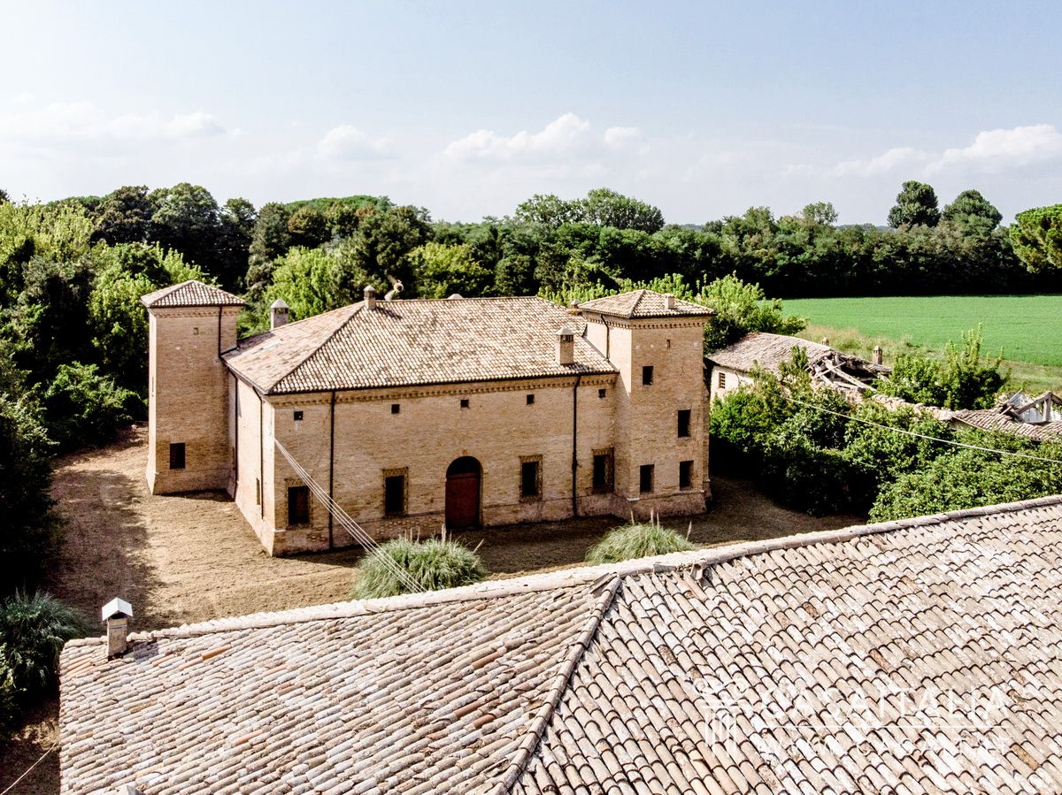 Luxury estate for sale in Ravenna, Casaitalia International