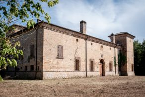 Country villa for sale in Ravenna