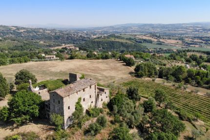 Hamlet for sale in Todi, Umbria