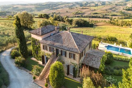 Luxury villa for sale in Todi