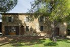 Farmhouse for sale in Tuscany, Buonconvento, Siena