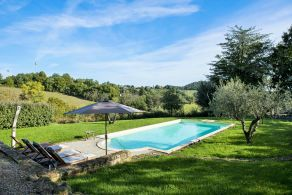 Farmhouse with swimming pool for sale in Maremma, Tuscany