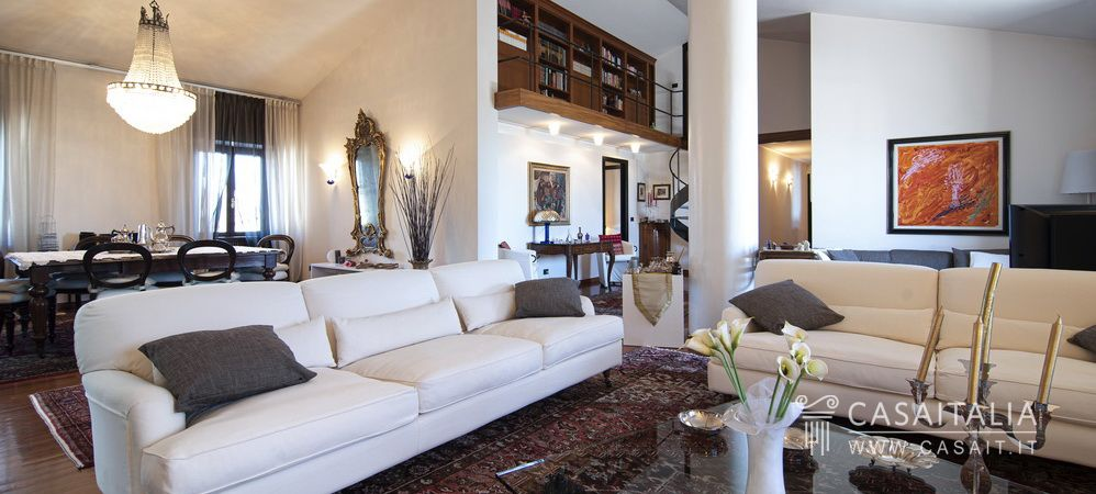 Penthouse for sale in Tuscany, Viareggio