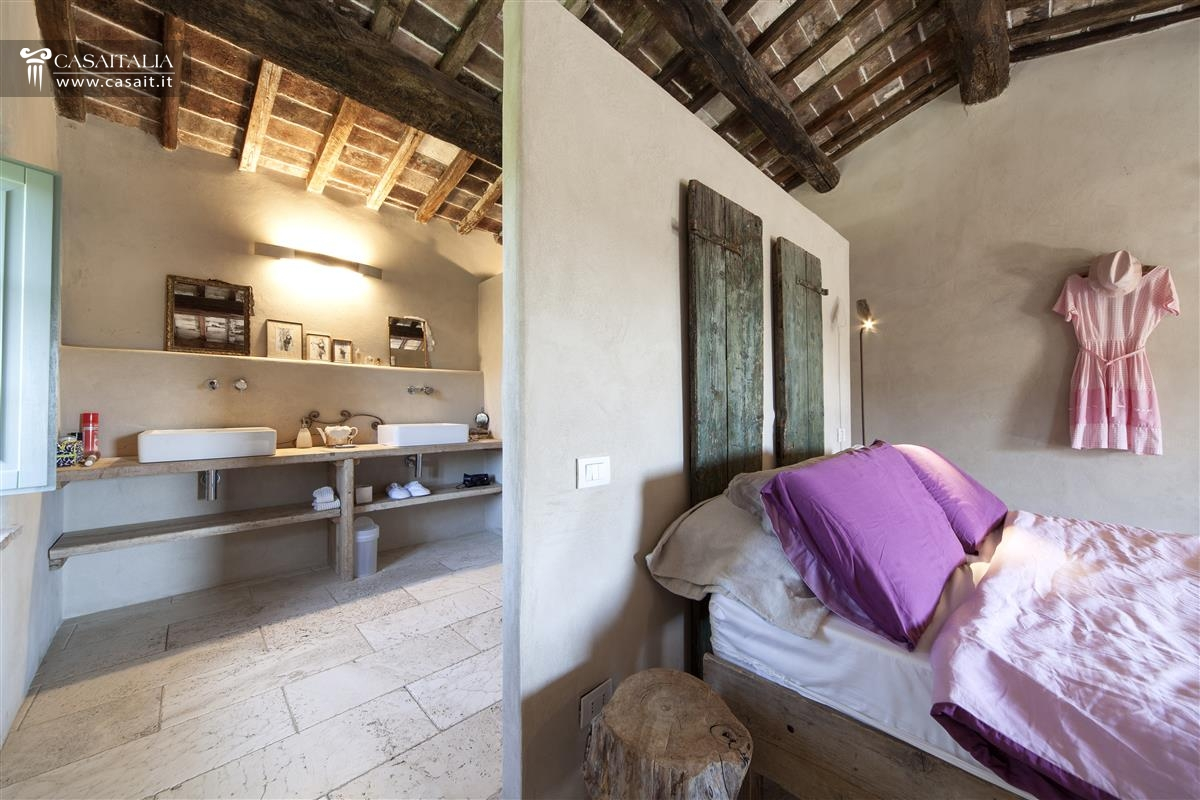 Toscana - Val dOrcia - Farmhouse for sale