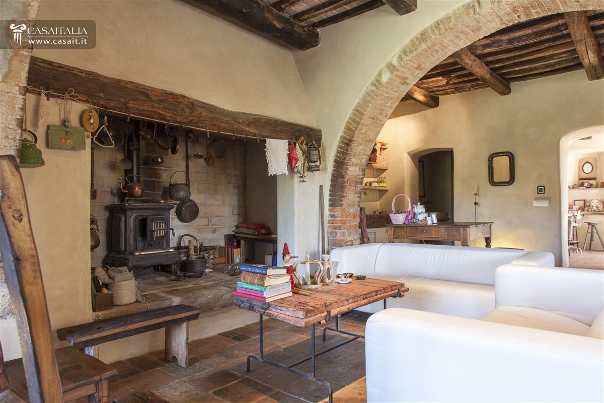 Toscana - Val d'Orcia - Farmhouse for sale