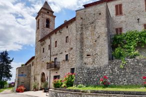 Large apartment for sale in Toscolano, Umbria