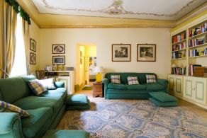 Luxury apartment for sale in Umbria, Toscolano