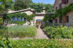 Farm house for sale in Umbria - Italy