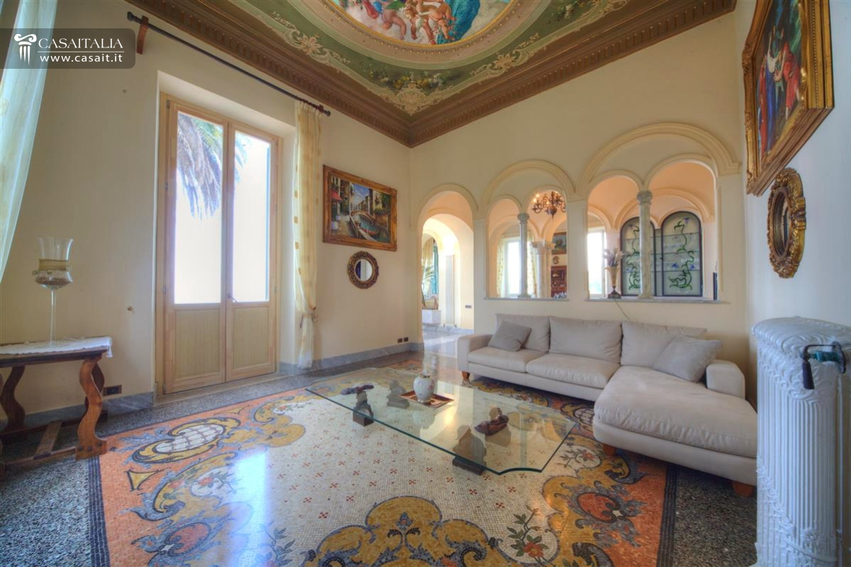 Camogli - Prestigious seaside villa for sale