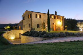 Umbria - Todi - Farmhouse for sale